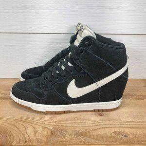 Women's Nike Dunk Sky Hi sneakers - size 7.5